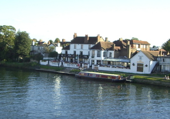 Theswanrestaurantonthames